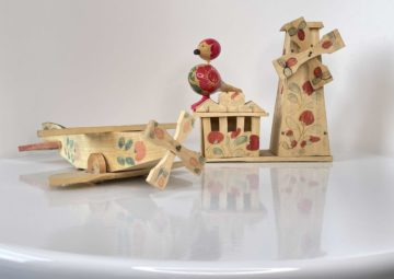 Федосеевская игрушка из собрания Музея изобразительных искусств. Дерево, анилиновая краска, токарная обработка,роспись