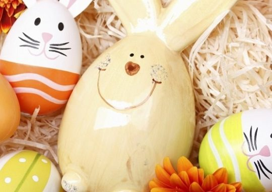 Easter-Eggs-Decoration-with-Hare